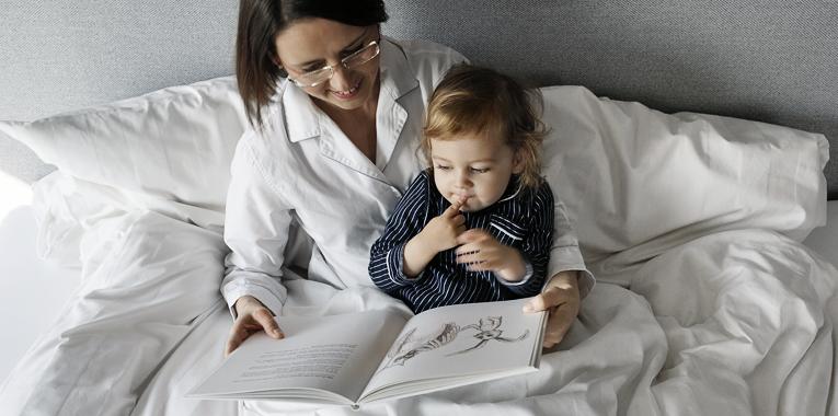 mateřská předsevzetí, čteme s dětmi, máma a syn