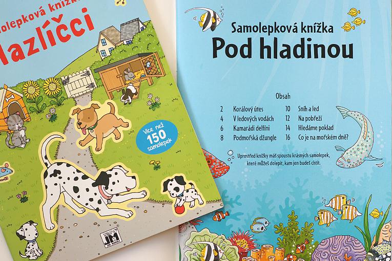 Hračky, aktivity pro dvouleté děti, zábavné aktivity pro děti, hračky pro dvouleté děti, samolepková knížka