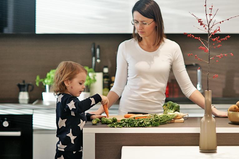 příkrmy, jídlo do tlapky, pevná strava, výživa dětí, batolecí jídelníček, děti a zelenina