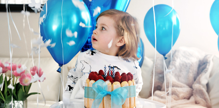Oslava 3. narozenin, narozeninový dort, dekorace