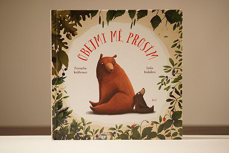 Kniha Obejmi mě, prosím