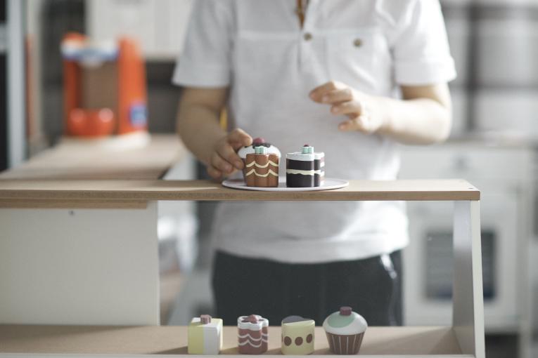 Dětská cukrárna a pekárna Musterkind, dřevěné hračky, aktivity pro tříleté děti
